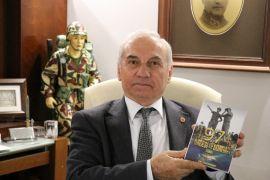 Kıbrıs Barış Harekatı'na katılan emekli asker Yamaner, anılarını ve Kıbrıs'ın önemini yazdı