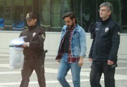 Eski kız arkadaşıyla birlikte 3 kişiyi rehin alarak darp eden üniversite öğrencisi tutuklandı