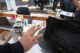 Lise öğrencileri fizik tedavi ve bomba imhada kullanılabilecek robot kol tasarladı