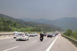 Bolu'da, tatilciler kilometrelerce araç kuyruğu oluşturdu