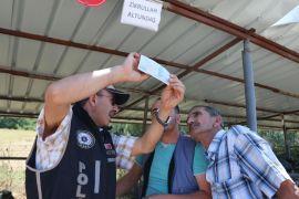 Bolu'da, kurbanlık satanlar sahte paraya karşı uyarıldı