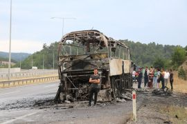 TEM'de, seyir halindeki otobüs alev alev yandı