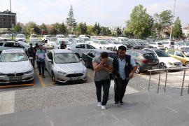 Bolu'da, adliye lojmanlarından hırsızlık yapan 4 kişi adliyeye sevk edildi