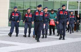 250 kilometre takip ettikleri iş adamının 98 bin eurosunu çaldılar