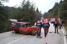 Bolu'da Tabiat Parkı yolunda kaza: 1 ölü, 2 yaralı