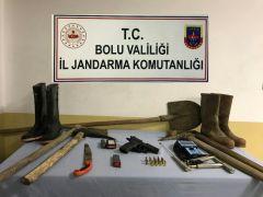 Bolu'da, Zonguldak'tan gelip kaçak kazı yapan 4 kişi gözaltına alındı