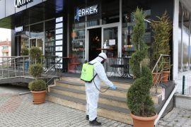 Bolu'da, berber ve kuaförler dezenfekte edildi