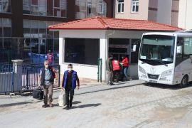 Bolu'da, karantinası biten 395 kişi memleketlerine gitti