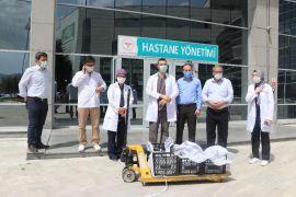 Ürettiği 200 alabalığı sağlık çalışanlarına hediye etti