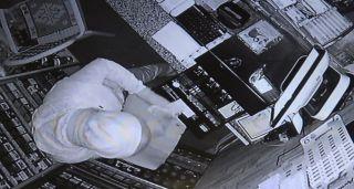 Bolu'da market hırsızlığı anbean güvenlik kamerasına yansıdı