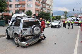 Bolu'da otomobille çarpışan cip takla attı: 1 yaralı