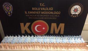Bolu'da para bozdurma yöntemiyle piyasaya sahte para süren 3 kişi gözaltına alındı
