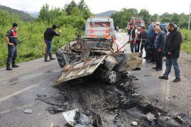 Bolu'da, tırla çarpışan otomobil sürücü yanan araçta can verdi