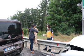 TEM'de zincirleme trafik kazası: 8 yaralı