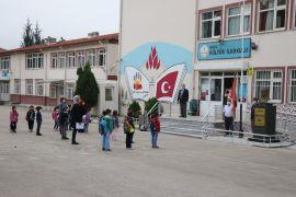Bolu'da, öğrenciler ders başı yaptı