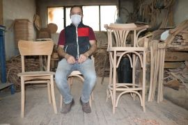 200 yıl teknikle 62 yıldır ahşap sandalye üretiyorlar
