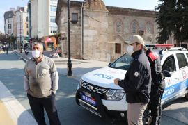 Bolu'da maske cezası kesilen vatandaşla polis arasında tartışma