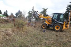 Bolu'da yaylalardaki kaçak bahçe ve çitler yıkıldı