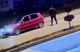 Bolu'da arıza yapan otomobilin yanma anı güvenlik kamerasında