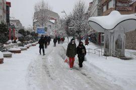 Bolu kent merkezi beyaz örtüyle kaplandı
