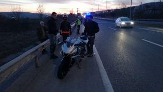 Otomobile çarpan motosiklet sürücüsü hayatını kaybetti