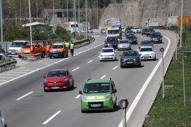 Bolu Dağı'nda yol yapım ve araç arızaları yoğun trafik oluşturuyor