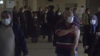 Bolu'da iftar sonrası hastanelerde aşı yoğunluğu oluştu