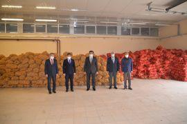 Bolu'da, ihtiyaç sahiplerine 500 ton patates ve 100 ton soğan dağıtılacak