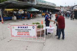 Bolu'da, pazar yerleri sıkı denetim altında açıldı