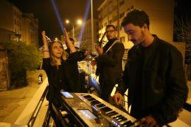 Bolu'da tam kapanmada evde kalanlara moral konseri