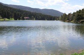 Gölcük Tabiat Parkı en güzel günlerini sessiz geçiriyor