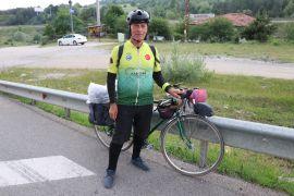 Bisiklet yolu farkındalığı için İstanbul'dan Gürcistan'a pedal çeviriyor