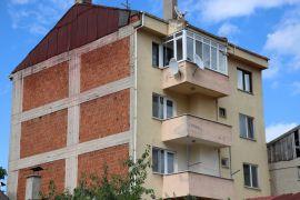 Belediyenin aşçısı apartmanın terasında ölü bulundu