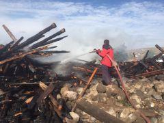 Bolu'da ahşap ev alev alev yandı