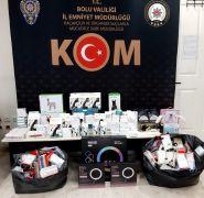 TEM'de kaçak ürünlerle yakalanan şahıs gözaltına alındı