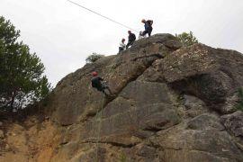 Gazetecilere arama kurtarma ve dağcılık eğitimi verildi